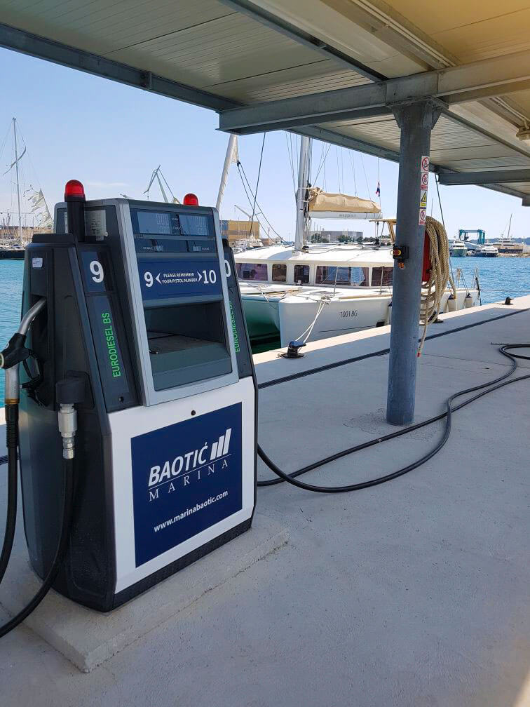 Refuel your boat at Marina Baotić